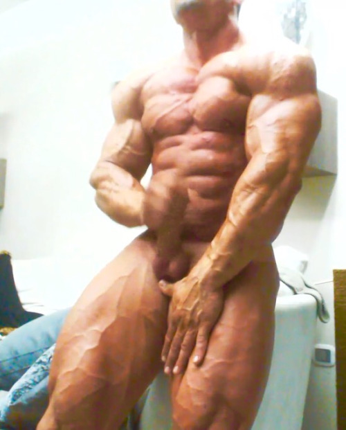hairy man muscle nude