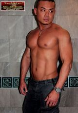 Asian musclehunk Lawrence