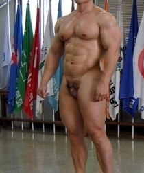 Korea Pro Bodybuilder with tiny pennis