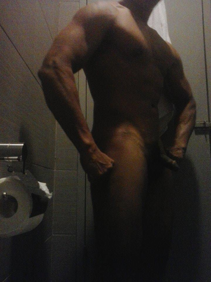 Naked indoesian body builder