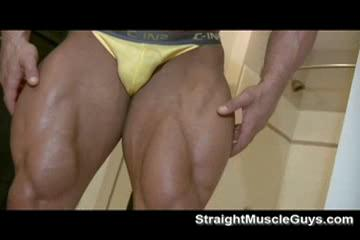 Bodybuilder BEEF FLEXES