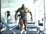 Ronnie Coleman Gym Posing