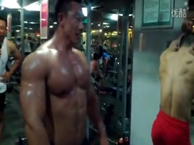 Chinese bodybuilders back workout