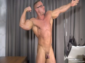 muscle hunk Gino del Vecchio (aka John or Big Daddy John) jacks off