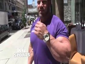 Jay Cutler Arm Wrestled With TMZ Photog In The Streets of NY