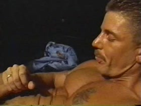 stud hunk Donnie Russo jacks-off (vintage)