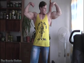 Hungry Beast in Posing Video 4