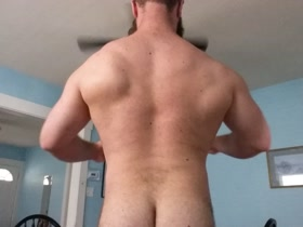 MuscleBear Back Posing