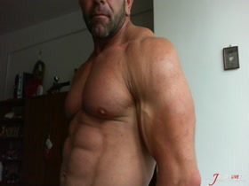 Beefy and Thick Muscle Daddy