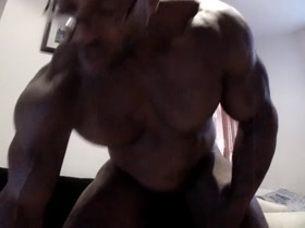 SWEET MUSCLE SKYPE SHOWS