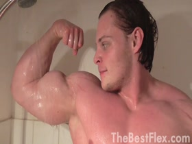 Hungry Beast flexing in Shower 2 - Gabor Paldi