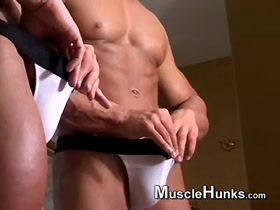 Bodybuilder Mirror Masturbation