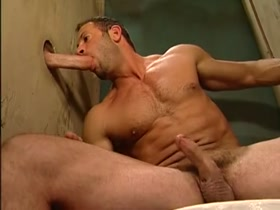 hot muscle fuck in toilet