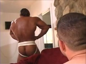 MATURE BODY BUILDER FUCKED BY YOUNGER STUD