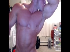 Pro BB Larry Morrison Nude Pose For Admirer