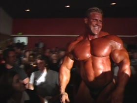 Jay Cutler Guest posing and pumping