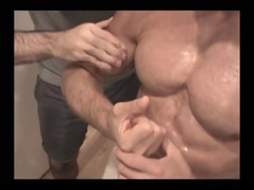Straight Musclehunk get's worshipped and sucked