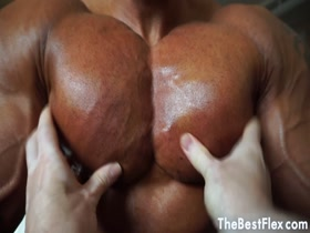 PECS WORSHIP - Muscle Diamond