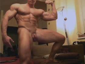Cute Bodybuilder Cam Show