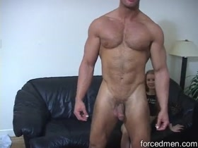 Huge Muscle Bodybuilder Flexing Nude to Impress