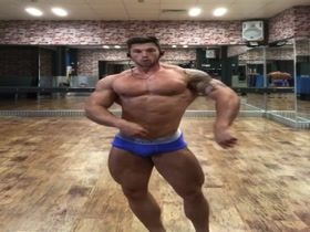 Craig Morton - Gym Posing