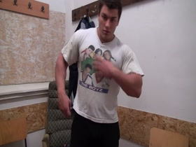 Livemuscle Young Bodybuilder Lev Danovitz Gym Locker Posing