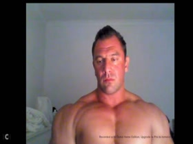 Bodybuilder webcam jerkoff