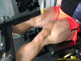 Smashing Legs - huge and super pumped