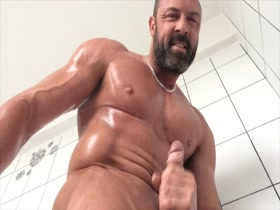 british muscle stud jerking off