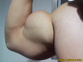 Massive Bicep Peaks bouncing and pumping