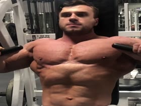 Vorotyncev Beefcake and pecs