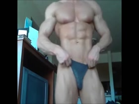 Thong Muscle Show