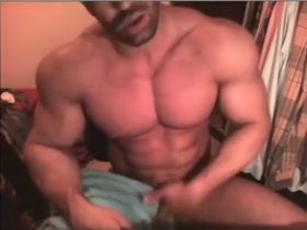 muscle solo cam