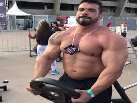 Monster Muscle Outdoor