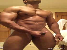 Muscle Hunk works his Huge Cock