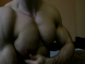 It's Pecs & Nipples Time for Skywalker - which make him very horny!