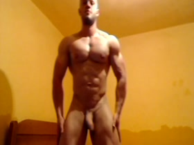 Muscle Hunk Jerking Off April Hunter