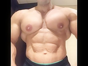 HUGE!!! Nipples Flex IFBB PRO