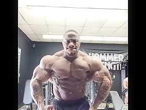 Charles Griffen - Super Heavyweight IFBB Pro