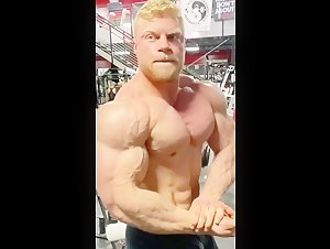 Blond Bodybuilder