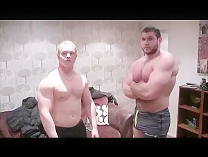 Big Connor Flexing and Wrestling With Viking Bodybuilder From Iceland