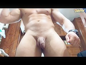 Muscle hunk shows his uncut cock in cam