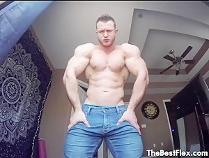 Daniel Carter Biceps To Blow Your Mind